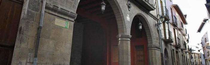 fachada ayuntamiento lumbier