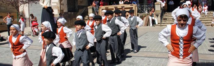 grupo danza aizpe ikastola lumbier
